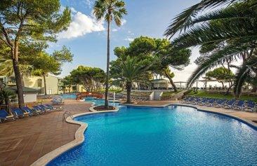 Iberostar_Playa_de_Muro_Village_Pool_2